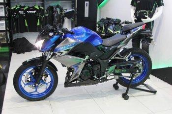 Nakedbike Kawasaki Z300 2018 giá 129 triệu đồng có gì hơn đối thủ