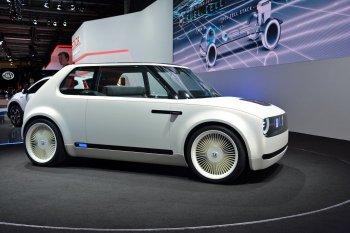 Honda, Nissan muốn đột phá bằng pin thể rắn cho xe điện