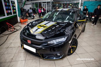 """Honda Civic Turbo độ ngầu kiểu """"Batman - Người dơi"""" tại Hà Nội"""