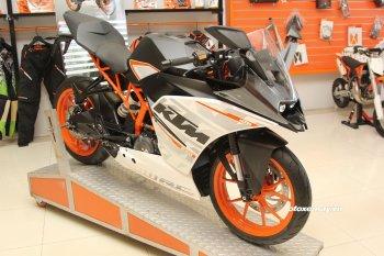KTM Việt Nam giảm giá nakedbike Duke 250 và sportbike RC 250