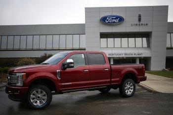 """Ford bị cáo buộc """"gian lận"""" khí thải trên 500 nghìn xe bán tải"""