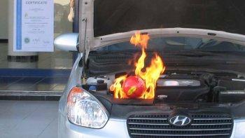 Quả bóng chữa cháy xe trong 2 giây