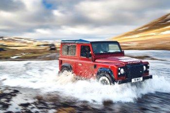 """Ông Hoàng """"Off-road"""" Land Rover Defender Works V8 tái xuất"""