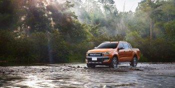 """Ford Ranger vẫn là """"vua bán tải"""" năm 2017"""