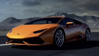 Lamborghini ghi nhận doanh số kỷ lục trong năm 2017