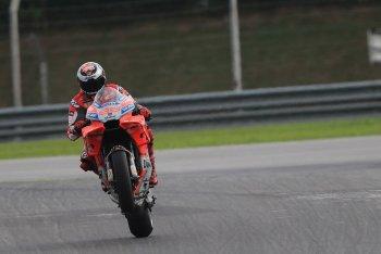 MotoGP 2018: Jorge Lorenzo phá vỡ kỉ lục Sepang