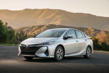 Toyota tiêu thụ kỷ lục 1,52 triệu xe chạy điện năm 2017