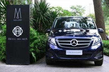 Mercedes giao xe 7 chỗ an toàn 5 sao cho khách đại gia Sài Gòn