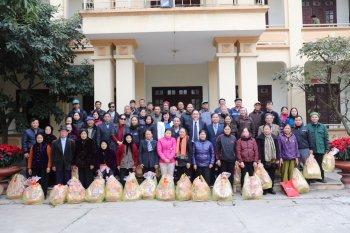 Toyota Việt Nam trao quà Tết tại Vĩnh Phúc