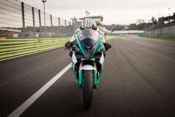 """Energica vén màn """"ngựa chiến"""" chạy điện cho MotoGP"""