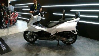 Honda giới thiệu PCX 2018 concept đường trường