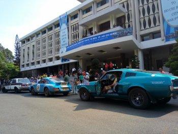 Toàn cảnh đoàn xe cổ quốc tế lớn nhất đến Sài Gòn đầu năm mới 2018