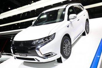 Mitsubishi Outlander PHEV mạnh mẽ hơn với động cơ 2.4L