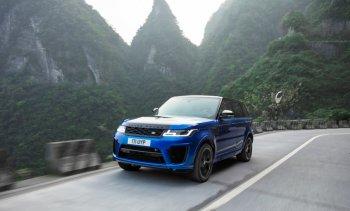 """Range Rover Sport SVR 2018 """"vượt mặt"""" siêu xe Ferrari trên đường hiểm"""