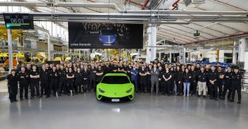 Lamborghini Huracan thứ 10.000 xuất xưởng, sẽ có phiên bản kế tiếp