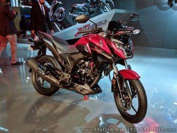 Ra mắt nakedbike Honda X-Blade giá 27 triệu đồng