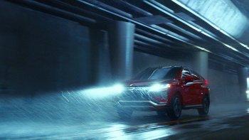 """Mitsubishi Eclipse Cross xuất hiện theo phong cách """"để đây và không nói gì"""""""