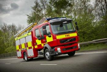 """Xe cứu hỏa có được """"phạm luật""""?"""