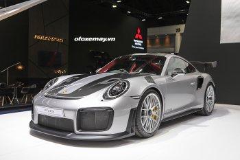 Cận cảnh mẫu Porsche 911 GT2 RS mạnh nhất lịch sử