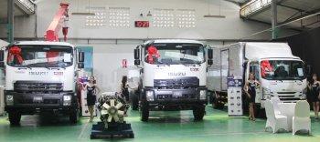 Isuzu Việt Nam ra mắt xe tải mạnh hơn, giảm ồn, tiết kiệm dầu, ngừa va chạm