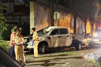 """TP.HCM: Kinh hoàng """"xe điên"""" tông hàng loạt xe máy làm 2 người chết"""