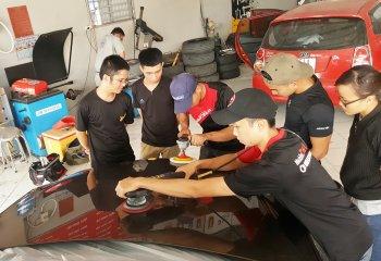 Dạy nghề chăm sóc xe theo chuẩn quốc tế tại Sài Gòn
