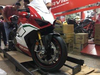 Khách hàng Việt Nam sở hữu chiếc Ducati Panigale V4 Speciale đầu tiên tại Châu Á