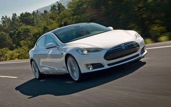 Tesla đổ lỗi cho Bosch về việc phải thu hồi 125 nghìn Model S