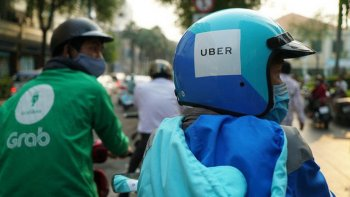 Grab có thể bị phạt 10% doanh thu sau thương vụ mua lại Uber