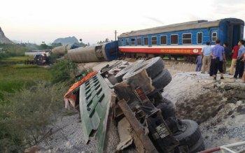 Tai nạn tàu hỏa, 7 toa bị lật, ít nhất 2 người chết, 10 người bị thương