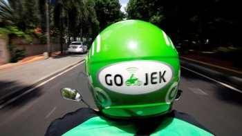 """Go-Jek sắp vào Việt Nam, """"tuyên chiến"""" với Grab"""