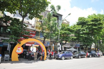 Bridgestone tổ chức chăm sóc lốp tại Hà Nội