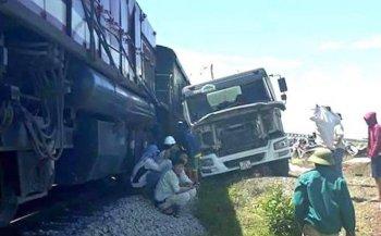 4 ngày, 4 vụ tai nạn đường sắt nghiêm trọng