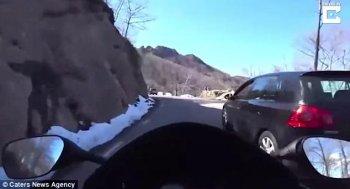 """""""Rùng mình"""" biker mất lái ở vận tốc 175km/h"""