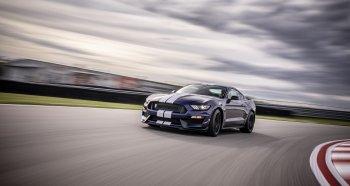 Ford Mustang Shelby GT350 2019 hấp dẫn hơn với tính năng đường đua