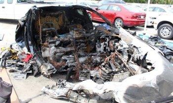 """Pin xe Tesla Model S tự """"bốc hỏa"""" hai lần sau tai nạn"""