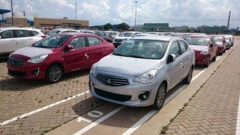 300 xe Mitsubishi nhập từ Thái Lan cập cảng Việt Nam