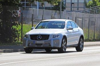 Mercedes-Benz GLC Coupe 2020 lộ ảnh chạy thử với đèn pha đậm chất chơi