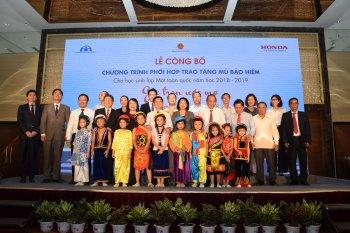 Honda Việt Nam tặng 1,95 triệu mũ bảo hiểm cho học sinh lớp 1