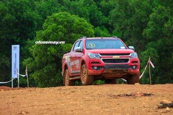 """Thử thách Chevrolet Colorado 2.5L mới trên """"thánh địa Off-Road"""""""