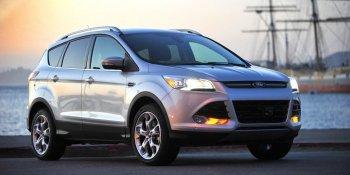 Ford Escape bị điều tra vì lỗi tự ngắt động cơ