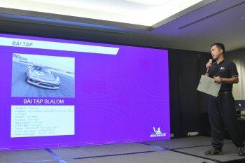 Khách hàng Michelin Việt Nam trúng giải gần 600 triệu đồng trải nghiệm lái xe đua quốc tế
