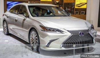"""Lexus ES 300h 2019 dáng """"phi thuyền"""", nội thất rộng thoáng"""