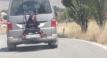 Tài xế bị bắt vì buộc phụ nữ đằng sau xe