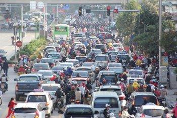Hà Nội lại nhấp nhổm đề xuất thu phí xe vào nội đô