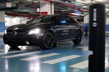 Mercedes-Benz thử nghiệm công nghệ đỗ xe thông minh phiên bản mới