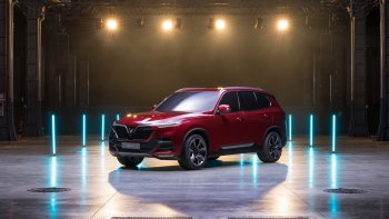 Trực tiếp sự kiện ra mắt xe ô tô VinFast tại triển lãm Paris Motor Show 2018