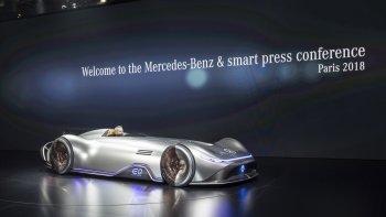 """Mercedes Vision EQ Silver Arrow """"tỏa sáng"""" tại Paris Motor Show 2018"""
