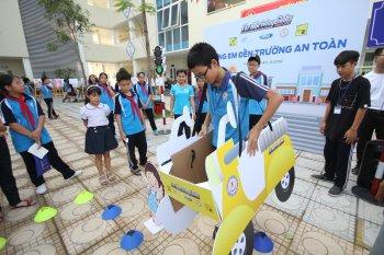 Tháng chăm sóc toàn cầu Ford Việt Nam có nhiều hoạt động về an toàn giao thông