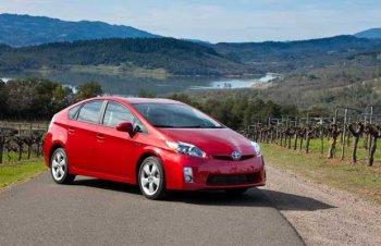 Toyota triệu hồi 2,4 triệu xe hybrid nguy cơ chết máy
